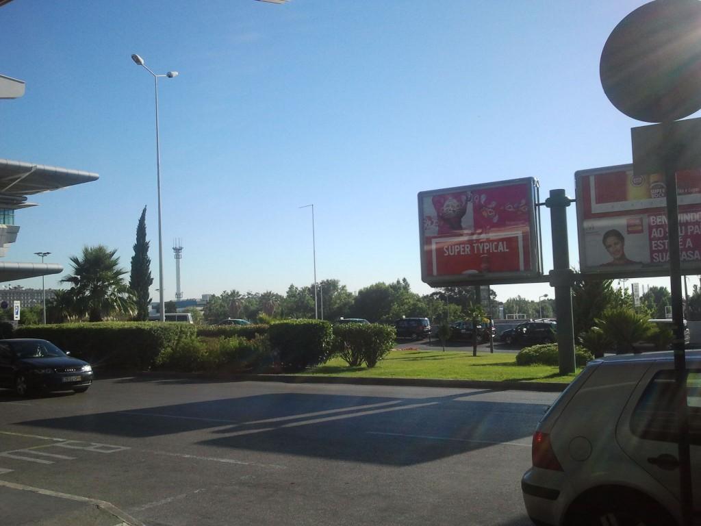 În afara aeroportului Portela, Lisabona