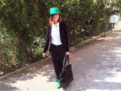outfit cu palarie verde tip ear cat