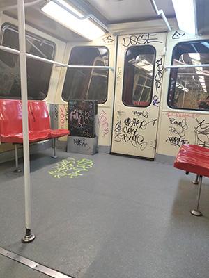 interior vagon de tren metrou M4