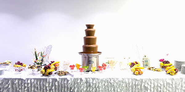 candy bar și fântână de ciocolată la nunta noastră asigurat de Anna Events Complex Riviere