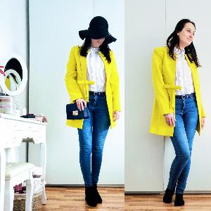ținută de primăvară cu palton galben
